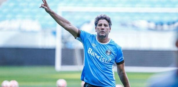 Renato Gaúcho renovou contrato com Grêmio por mais uma temporada na quarta-feira - Lucas Uebel/Grêmio