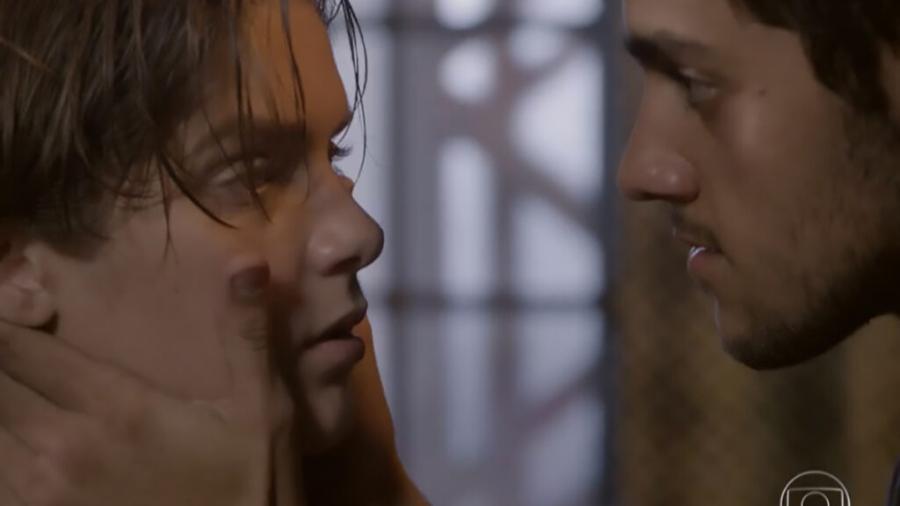 Karina (Isabella Santoni) e Cobra (Felipe Simas) em Malhação: Sonhos (Reprodução/Globo) - Reprodução / Internet