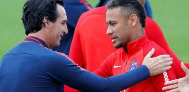 Neymar e técnico Unai durante treino do PSG - AFP