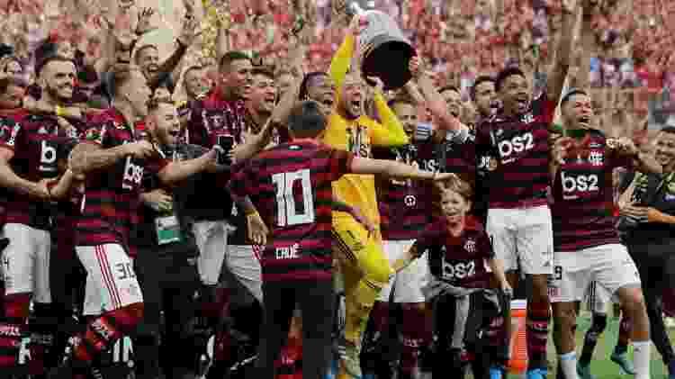 Flamengo venceu a Libertadores de 2019 - Flamengo levanta taça da Libertadores: clube foi campeão do Brasileiro sem entrar em campo e terá premiação milionária da Globo (Divulgação) - Flamengo levanta taça da Libertadores: clube foi campeão do Brasileiro sem entrar em campo e terá premiação milionária da Globo (Divulgação)