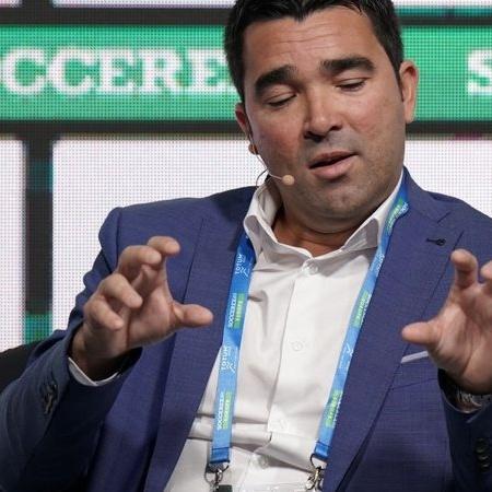 Deco tem passagens por grandes clubes do mundo, como Barcelona e Chelsea - GettyImages