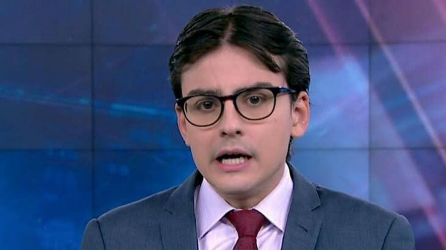 """Dudu Camargo apresentando o """"Primeiro Impacto"""", do SBT  - Reprodução / Internet"""