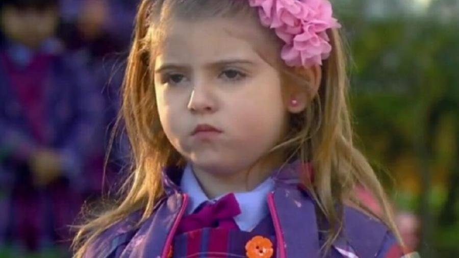 Dulce Maria (Lorena Queiroz) em Carinha de Anjo (Reprodução/SBT) - Reprodução / Internet