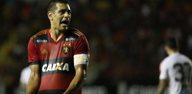 Diego Souza está no Sport, tem 32 anos e pode ser meia e centroavante - Foto: Diego Nigro/JC Imagem