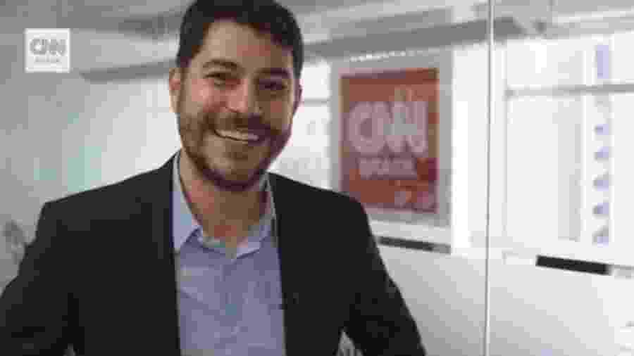 Evaristo Costa na sede da CNN Brasil  - Reprodução/Instagram