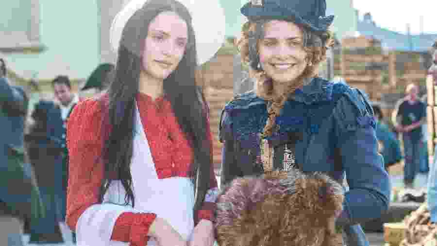 Anna ( Isabelle Drummond ) e  Leopoldina ( Letícia Colin ) de Novo Mundo (Divulgação/Globo) - Reprodução / Internet