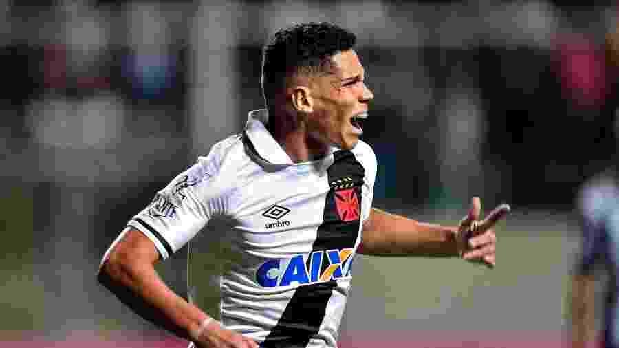 Paulinho foi vendido pelo Vasco para o Bayer Leverkusen, da Alemanha -