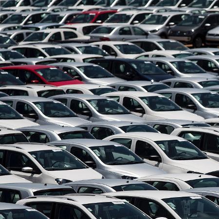 Com agravamento da pandemia, vendas de veículos novos caem 7,5% em abril - Roosevelt Cassio/Reuters