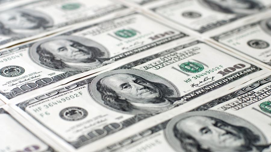 A inflação no centro do debate sobre o plano de ajuda de Biden - Notas de cem dólares