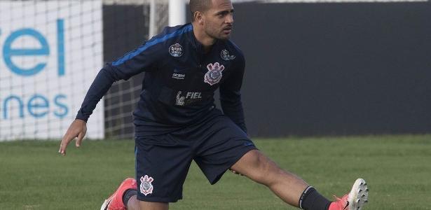 Clayton disputou 13 jogos até aqui pelo Corinthians, com dois gols marcados