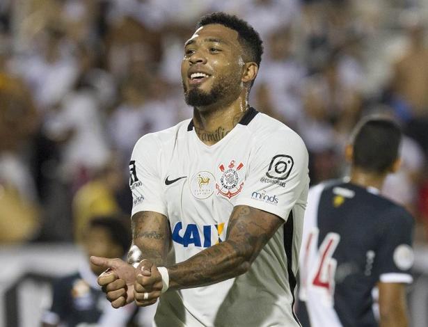 Kazim treinou como titular e deve ocupar a vaga de Jô contra o Cruzeiro