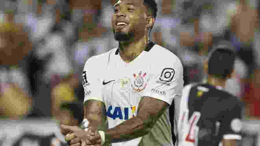 Kazim treinou como titular e deve ocupar a vaga de Jô contra o Cruzeiro - Daniel Augusto Jr/Agência Corinthians