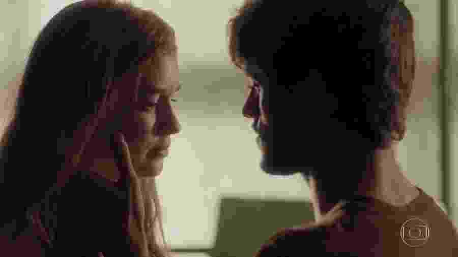 Eliza (Marina Ruy Barbosa) e Jonatas (Felipe Simas) em Totalmente Demais (Reprodução/TV Globo). - Reprodução / Internet