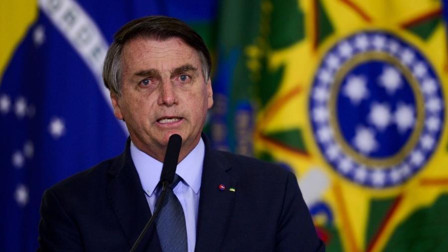 """""""A lei é bem clara e quem define isso é o Ministério da Saúde. O meu ministro da Saúde já disse que não será obrigatória essa vacina e ponto final"""", disse Bolsonaro                              -                                 ABR"""