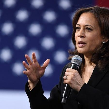 A vice-presidente dos Estados Unidos Kamala Harris deu início a uma viagem pela Ásia neste domingo (22) - Getty Images