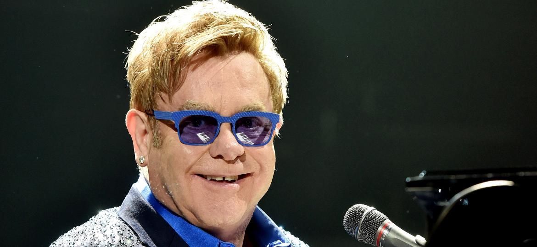 """""""Sir"""" Elton John, 74 anos hoje - Reprodução / Internet"""