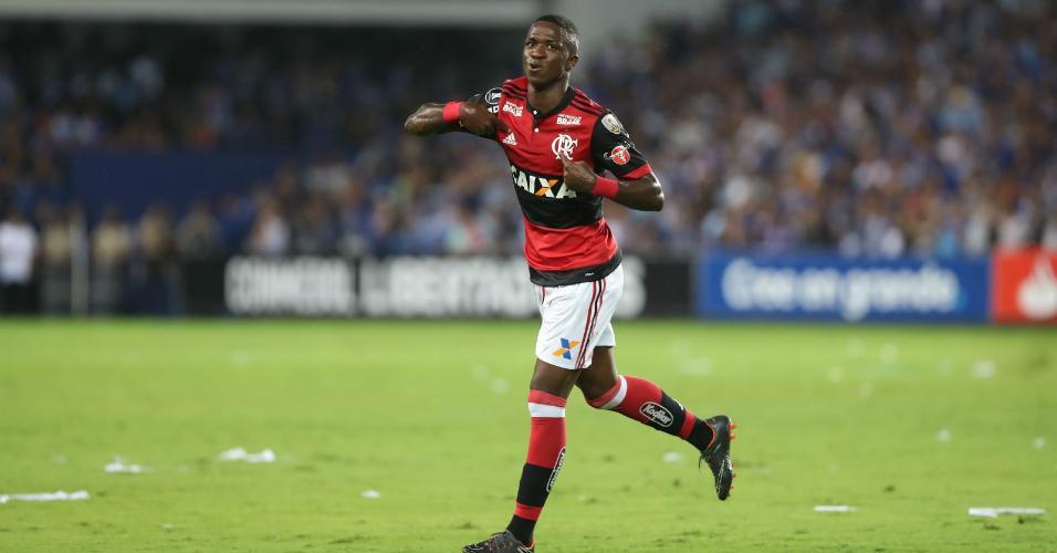 Liderou virada do Fla na Libertadores | Espanhóis comparam gols de Vinícius Jr. contra Emelec aos do Fenômeno