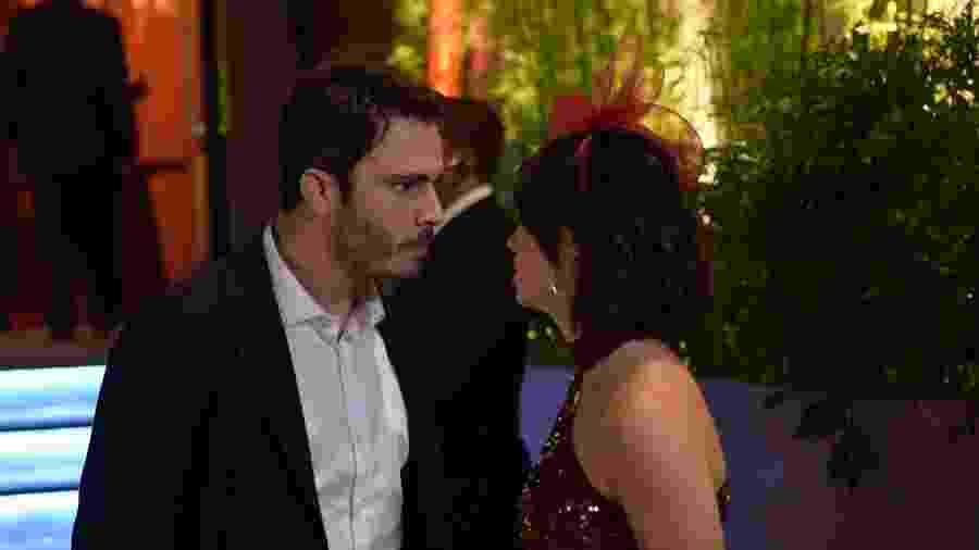 Tobias (Thiago Rodrigues) discutindo com Donatella (Stephany Brito) em Amor Sem Igual (Foto: Blad Meneghel/ Record TV) - Blad Meneghel/ Record TV