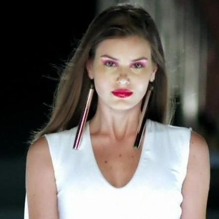 Verdades Secretas 2: Camila Queiroz comenta volta ao papel da modelo Angel  - TodaTeen
