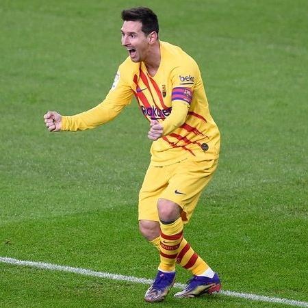 Messi em ação com a camisa do Barcelona - GettyImages