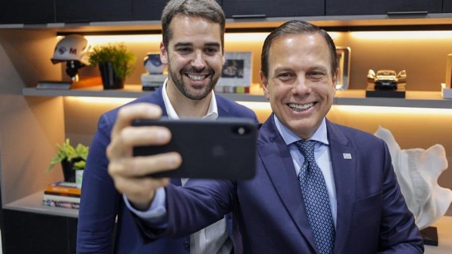 Os governadores Eduardo Leite (PSDB-RS) e João Doria (PSDB-SP).  -  Reprodução / Twitter / João Doria .