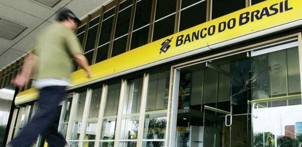 Agências do Banco do Brasil e do Santander foram alvo das explosões, segundo a polícia