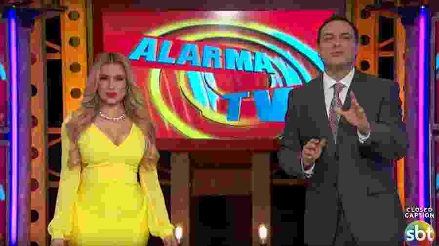 """Os apresentadores do enlatado """"Alarma TV"""" - Reprodução/SBT"""