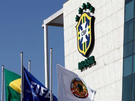 CBF se mete na gestão dos clubes com limitação de troca de técnicos, diz jornalista
