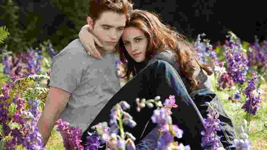 Robert Pattinson e Kirsten Stewart em cena de Crepúsculo - Reprodução