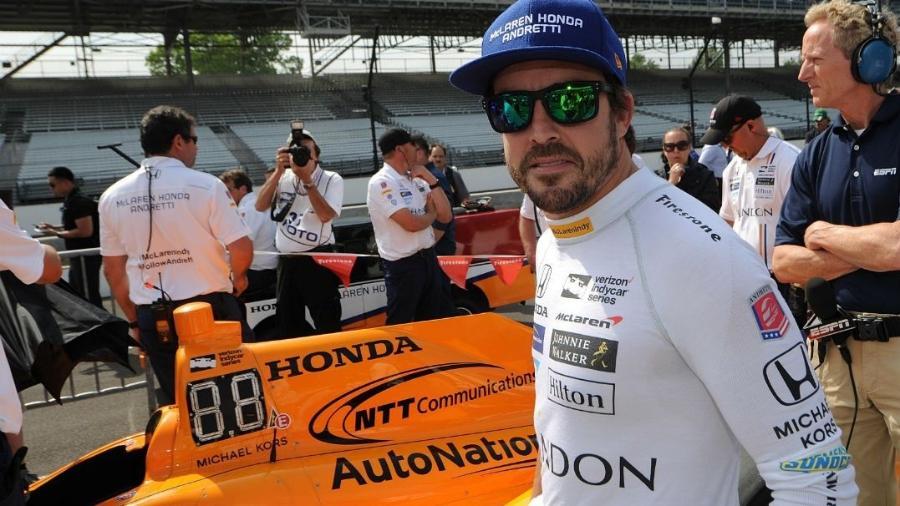 Fernando Alonso larga em quinto lugar, mas Indy costuma dar chances a quem vem de trás - Thomas J. Russo/USA TODAY Sports/Reuters