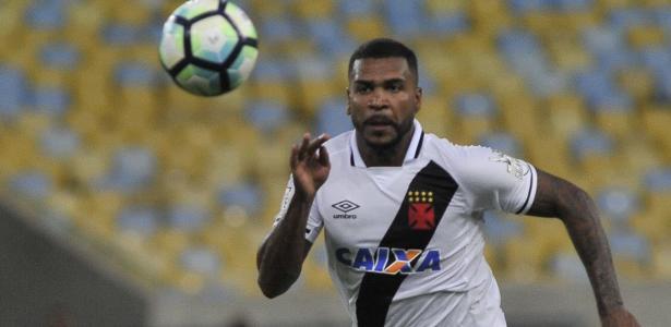 Breno será o 'dono' da zaga do Vasco após debandada sofrida na defesa do time