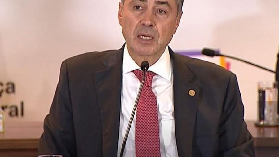 Ministro Luís Roberto Barroso, presidente do TSE, durante fala à imprensa          - Reprodução