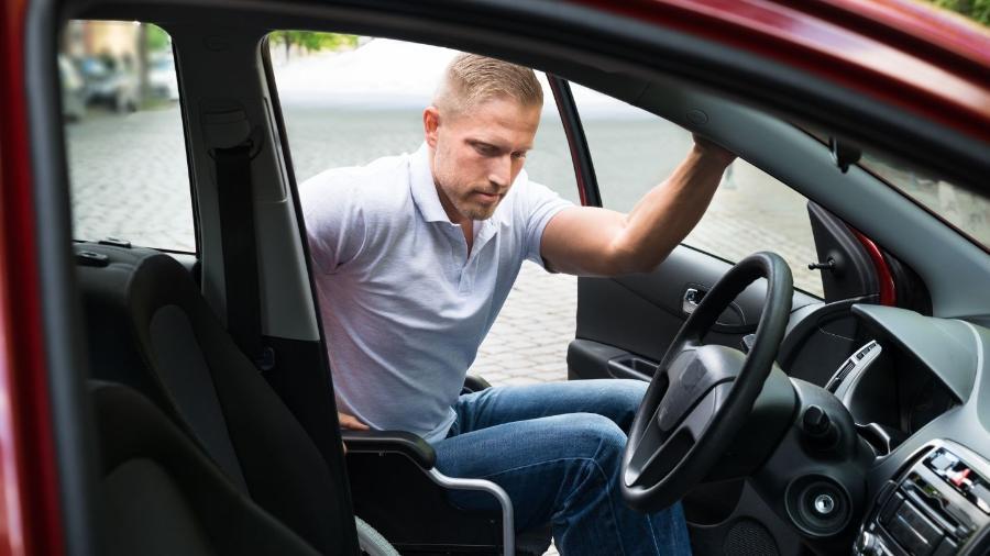 Lei paulista limita isenção do IPVA para carros PCD a veículos adaptados, mas valor venal acima de R$ 70 mil anula o benefício - Shutterstock