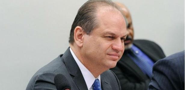 """O ministro da Saúde, Ricardo Barros (PP), afirmou que """"está tudo sob controle"""""""