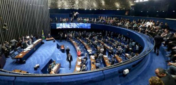 Reforma política aprovada pelo Congresso ainda precisa ser sancionada por Temer