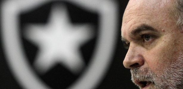 Mauricio Assumpção se defendeu pela primeira vez das acusações feitas pelo Botafogo