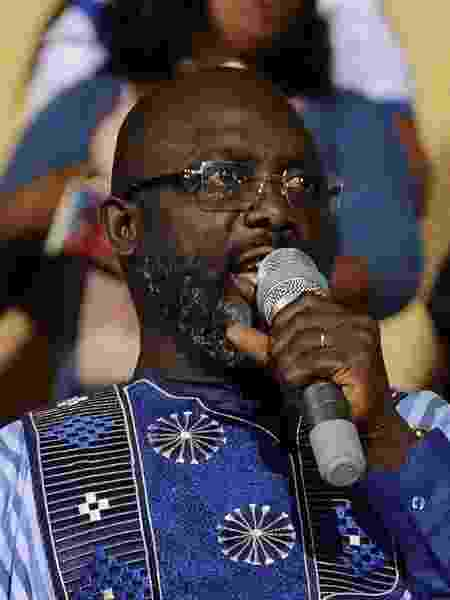 Presidente da Libéria, George Weah tem histórico de respeito no futebol mundial - Thierry Gouegnon/Reuters