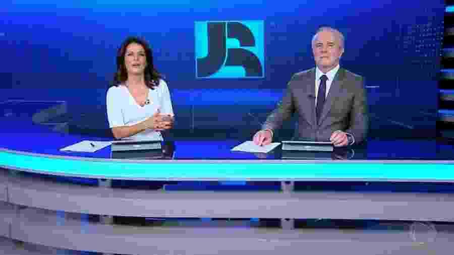 """Adriana Araújo e Celso Freitas comandam o """"Jornal da Record"""" - Reprodução/Record TV"""