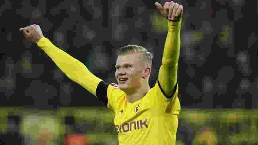 Erling Haaland, do Borussia Dortmund, marcou o primeiro gol do retorno do Campeonato Alemão - AFP