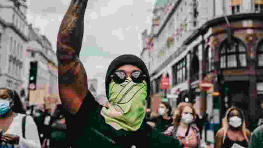 Hamilton durante protesto em Londres                              - Reprodução/Instagram
