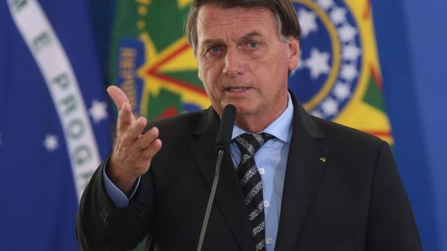 """""""Entre mim e a vacina tem uma tal de Anvisa, que eu respeito e não estão querendo respeitar"""", argumentou Bolsonaro                              -                                 FáBIO RODRIGUES POZZEBOM/AGêNCIA BRASIL"""