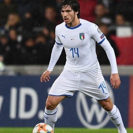 """Sandro Tonali ganhou o apelido de """"novo Pirlo"""" - Getty Images"""