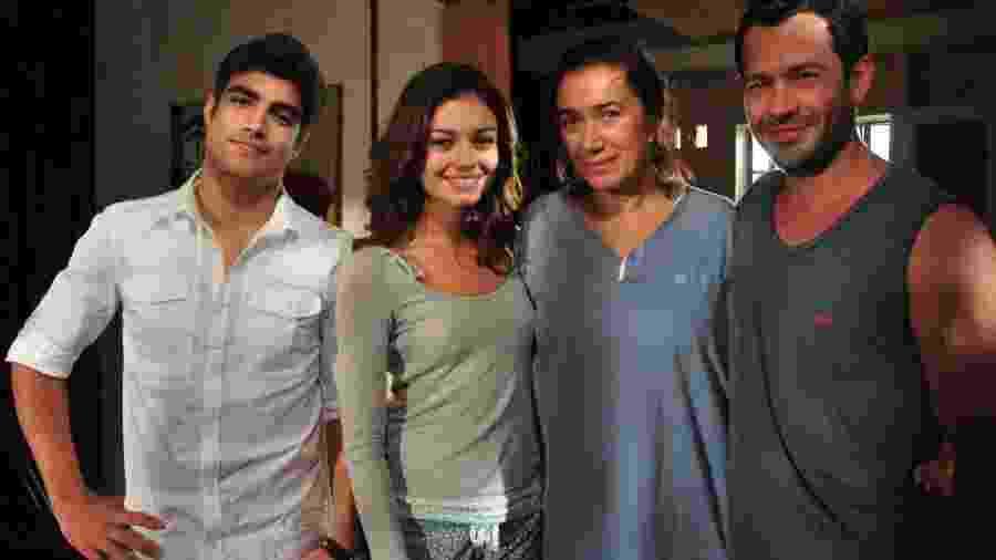 Antenor (Caio Castro), Amália (Sophie Charlotte), Griselda (Lília Cabral) e Quinzé (Malvino Salvador) em Fina Estampa (TV Globo/Estevam Avellar) - Reprodução / Internet