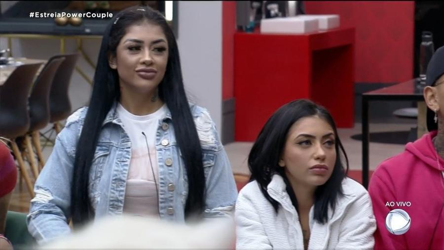 Fernanda Medrado e MC Mirella no Power Couple Brasil (Foto: Reprodução / Record TV) - Reprodução / Internet