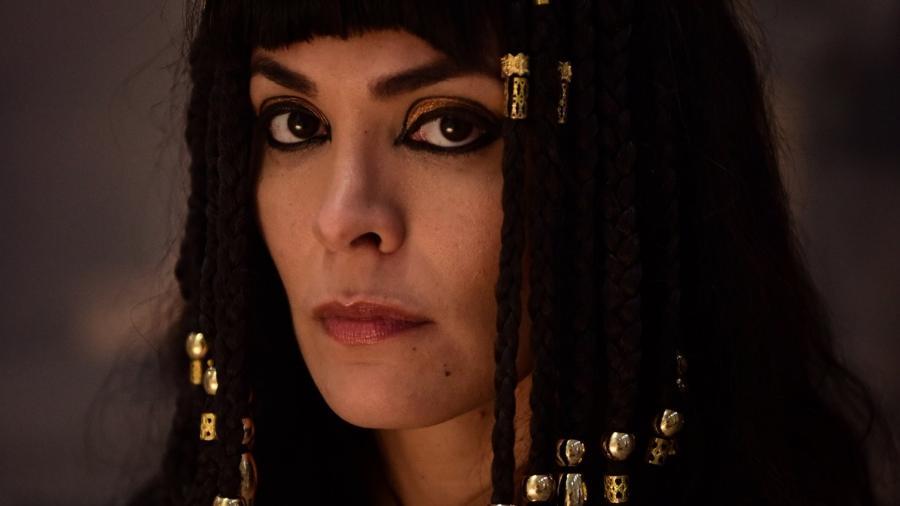 Agar (Hylka Maria) em Gênesis (Reprodução: Record TV) - Reprodução / Internet