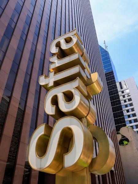 Banco Safra - Shutterstock