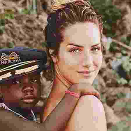 Titi comemorou o tom de voz mais baixo da mãe  - Giovanna Ewbank e Títi (Foto: Reprodução/Instagram)
