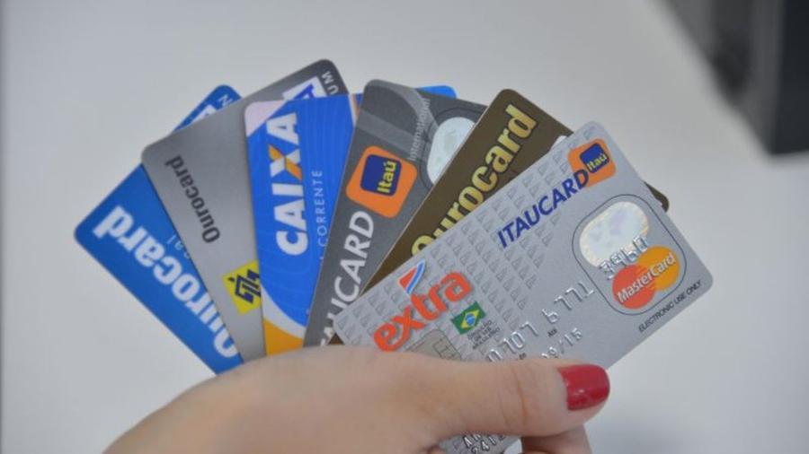 Contribuinte pode pagar taxas federais com cartão de crédito - Agência Brasil