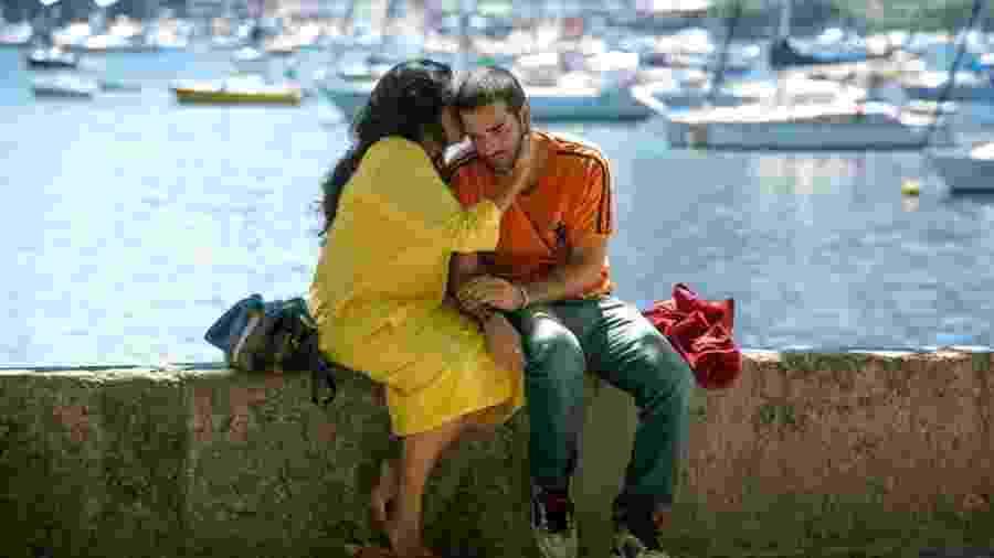 Lurdes (Regina Casé) e Sandro (Humberto Carrão) de Amor de Mãe (Divulgação/TV Globo) - Divulgação/TV Globo