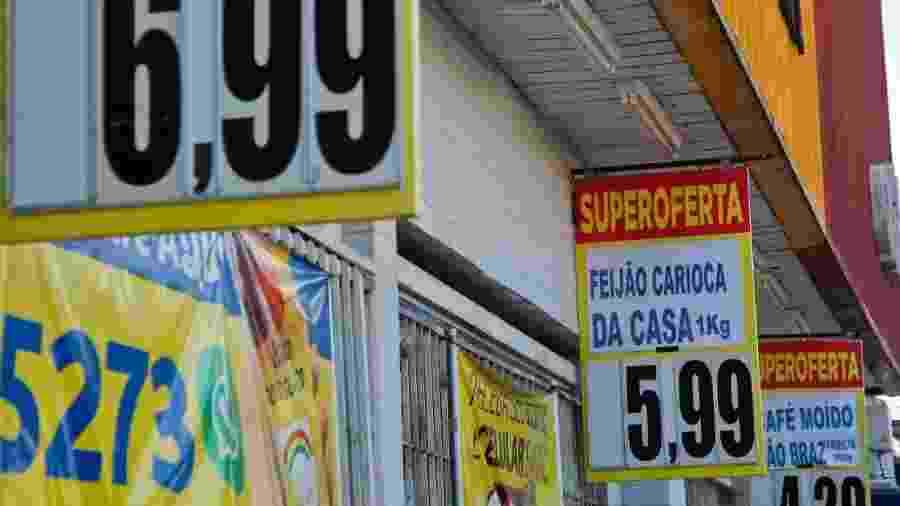 Alimentos representaram 60% da inflação dos mais pobres em outubro -                                 FILIPE JORDÃO/JC IMAGEM